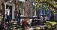 The_garden_at_LSE_is_a_popular_place_for_students_to_relax_and_chat